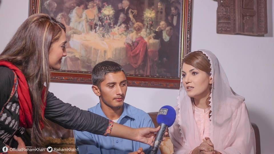 Reham Khan Samosa vendor son